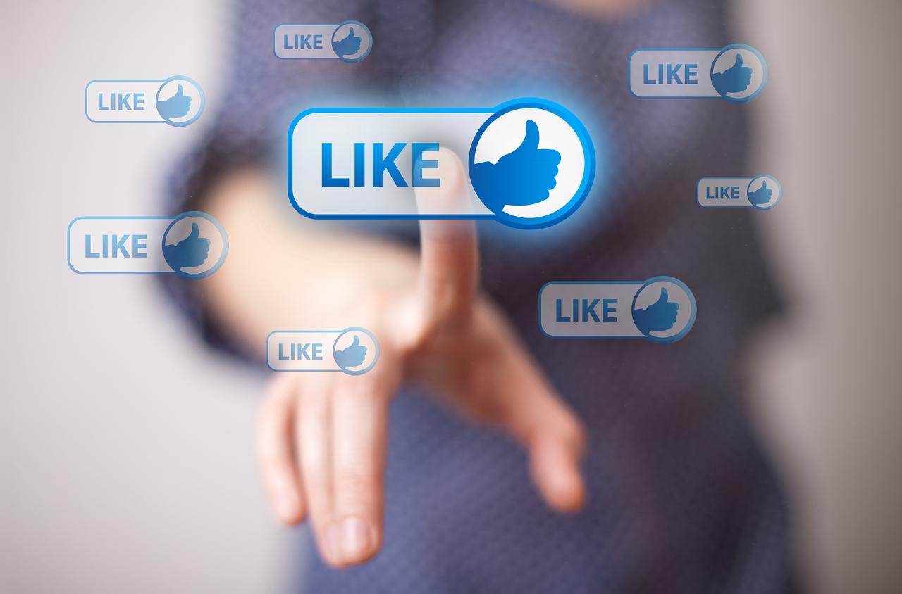 Like et médias sociaux